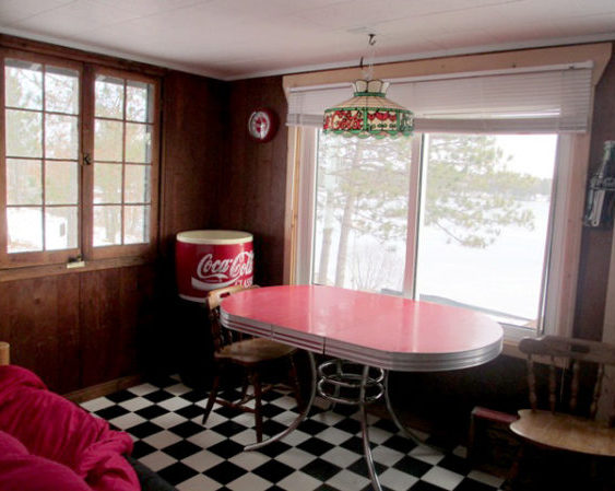Up-North-Resort-Coke-dining-room