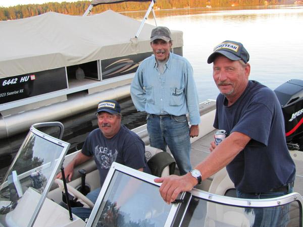 Up-North-Resort-guys-boat